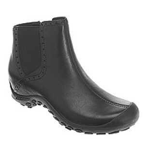 Merrell Plaza Mid Black ankle boots